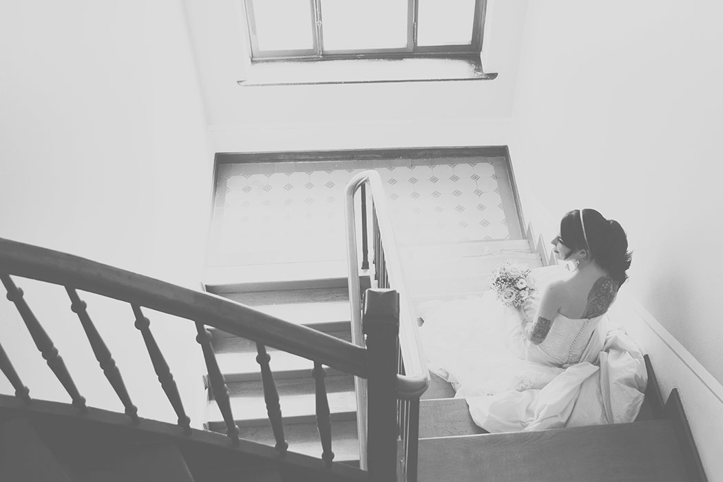 Brautdessous Foto - Braut mit Brautkleid