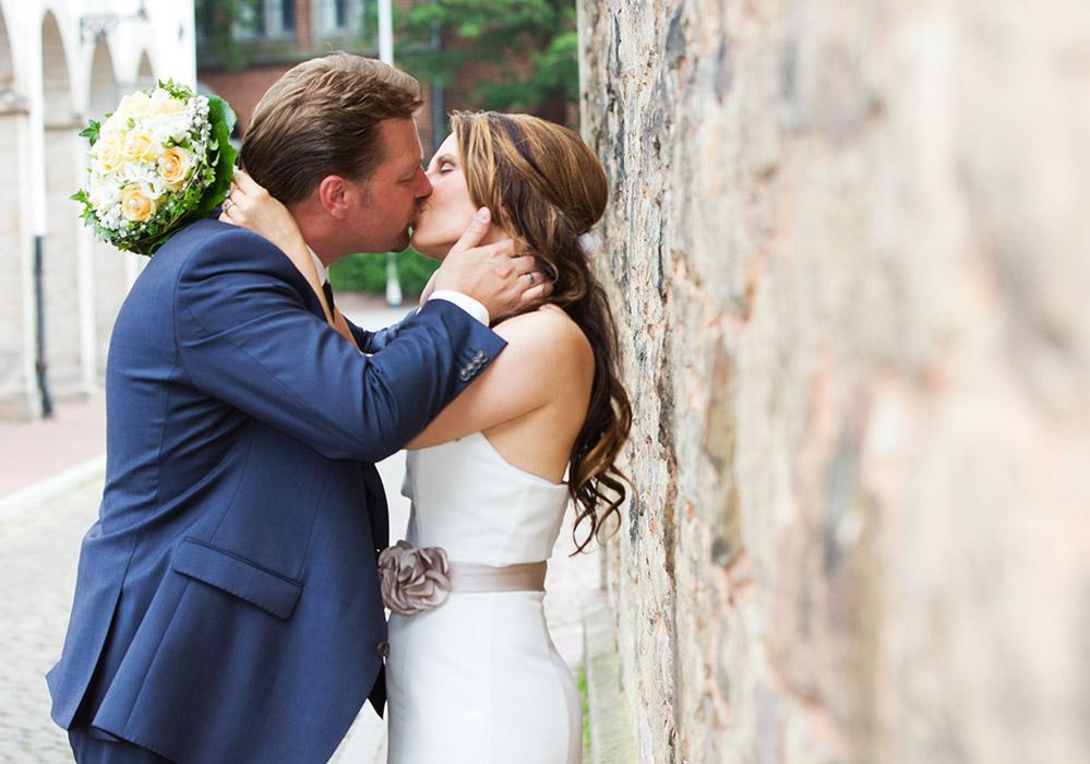 Foto Hochzeit - Brautpaar in der Altstadt von Hameln